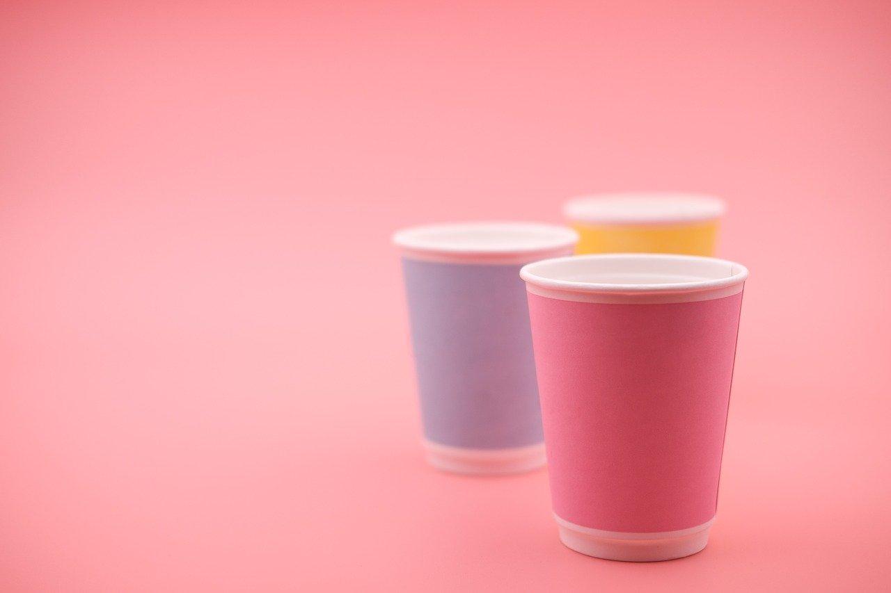 Pourquoi utiliser les gobelets en carton de SML Food Plastic chez vous?